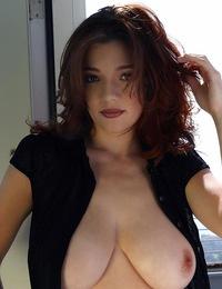 DanielleRiley-DDD\'sinablackbuttondown!